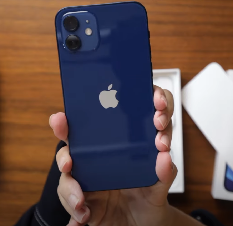 iPhone12フルー